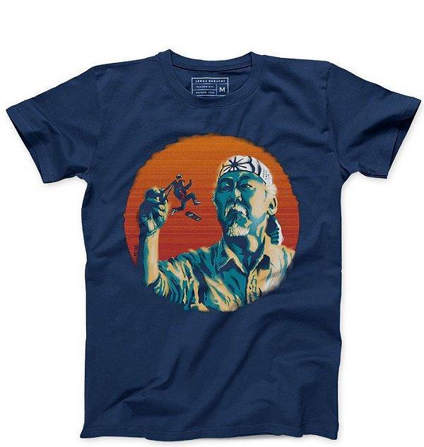 Camiseta Masculina Mr. Miyagi & Marty McFly   - Loja Nerd e Geek - Presentes Criativos