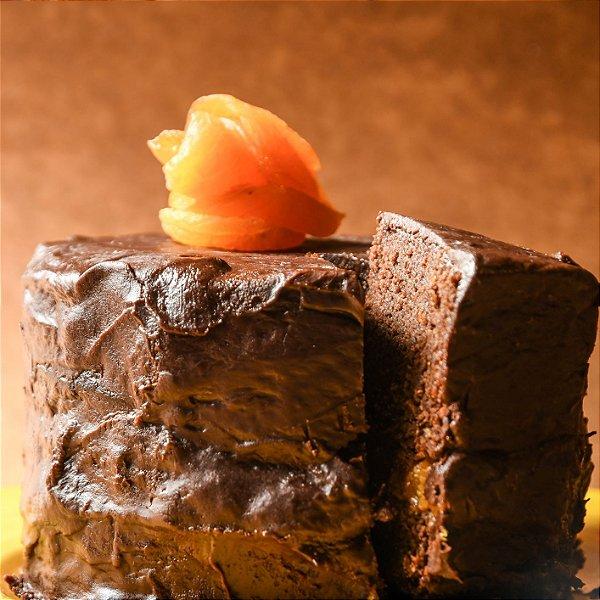 bolo de chocolate vegano e sem gluten, cobertura de chocolate, recheio de damasco ou coco