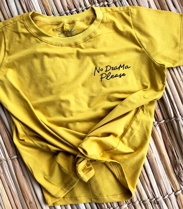 T-SHIRT NO DRAMA PLEASE MOSTARDA