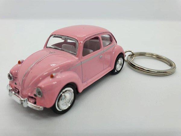 Chaveiro Fusca em Metal com Pneus de Borracha - 8cm - Rosa