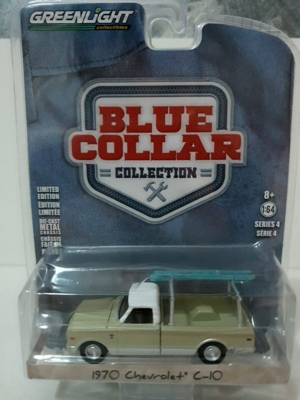 Miniatura Chevrolet C10 1970 Bege - Blue Collar - Greenlight - Escala 1/64