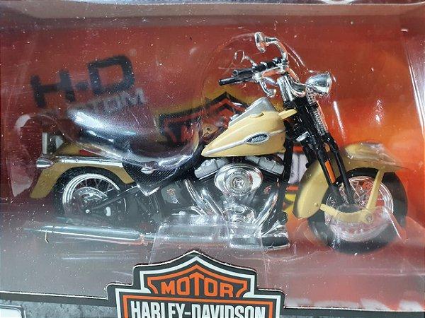 Miniatura Moto Harley Davidson Ultra Classic Electra Glide 2005 Escala 1/18