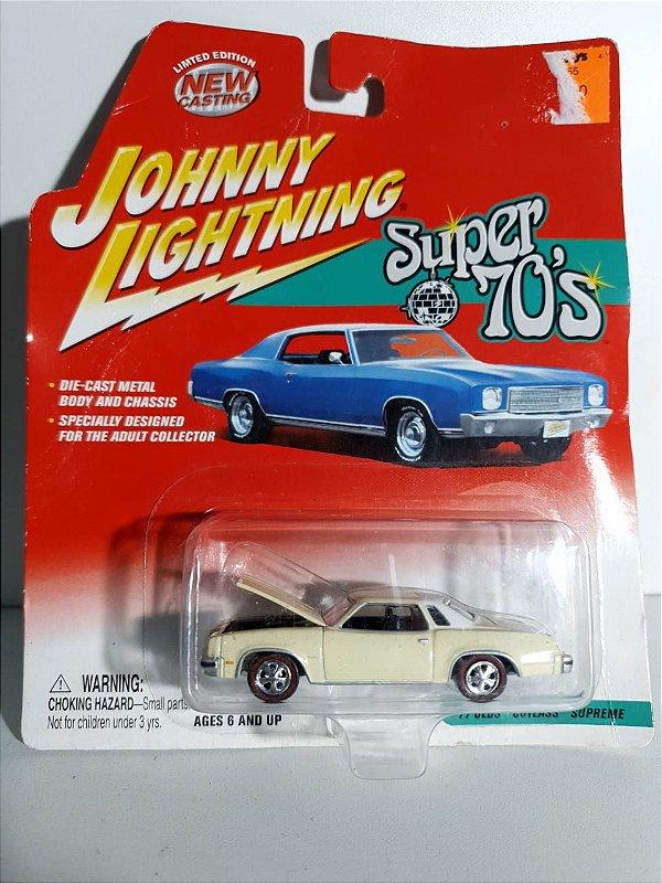 Miniatura Johnny Lightning -  Oldsmobile Cutlass Supreme 1977 - Super 70