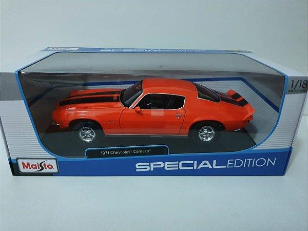 Miniatura Chevrolet Camaro 1971 - Special Edition - Escala 1/18 - Maisto