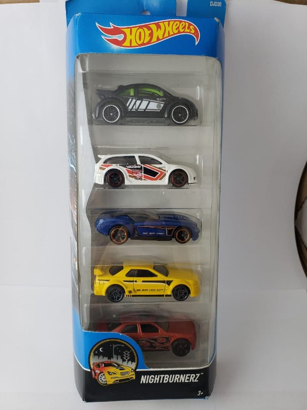 Pack com 5 Miniaturas Hot Wheels - Nightburnerz