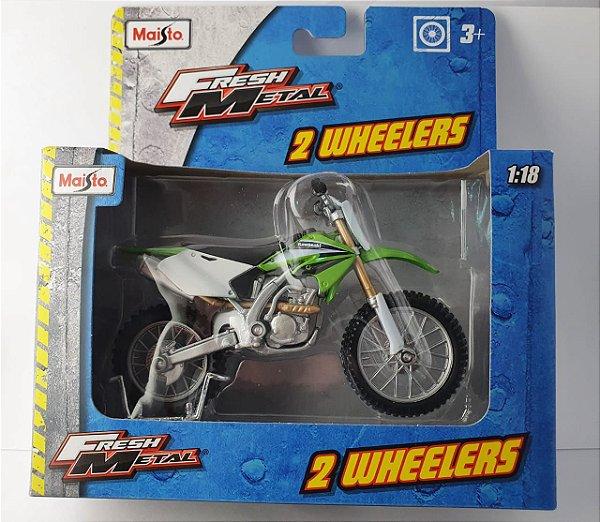 Miniatura Moto Kawasaki KX 250 Maisto - Escala 1/18 16 cm