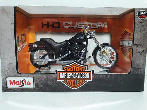 Miniatura Moto Harley Davidson 2008 FXSTB Night Train - Escala 1/18 - Maisto