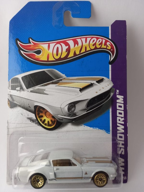 Miniatura Hot Wheels - Mustang Shelby GT500 68 - HW Showroom