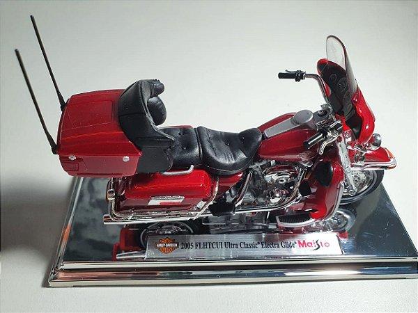 Miniatura Moto Harley Davidson FLHTCUI Ultra Classic Electra Glide 2005 - Escala 1/18