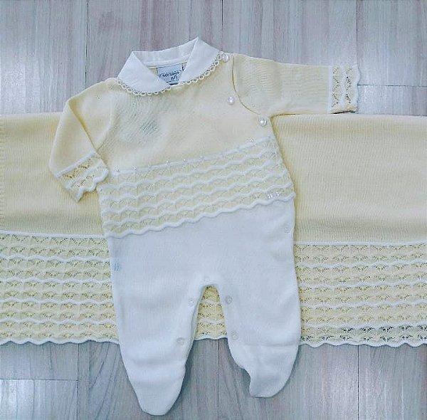 Kit Maternidade em Tricô ( Macacão com Gola e pérolas bordadas + Manta Amarelo)