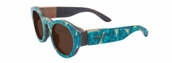 Óculos de sol de madeira com acabamento em palheta de guitarra Azul Claro Leaf Eco Pelican