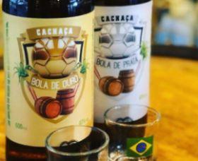 Kit Cachaça Bola De Ouro E Bola De Prata
