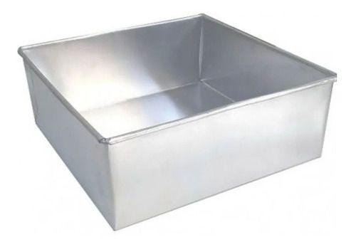 Forma Quadrada de Alumínio Para Bolo e Pães 15x15x10