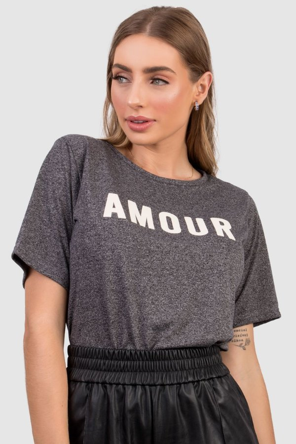 T-Shirt Feminina Mescla com Estampa Amour