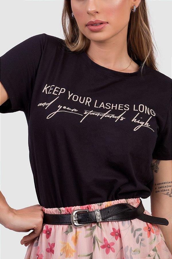 T-Shirt Feminina Preto com Estampa Localizada