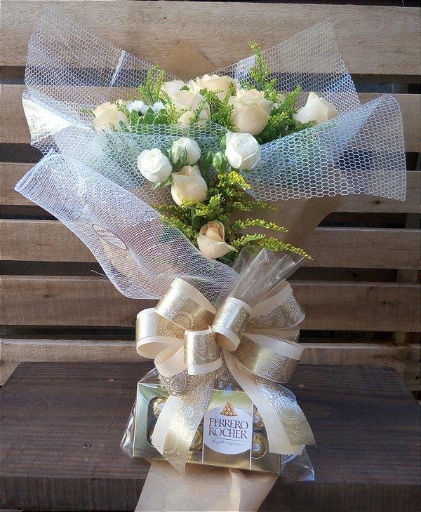 Buquê de 12 Rosas Champanhe com Ferrero Rocher