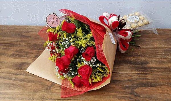 Buquê de 12 Rosas Vermelhas com Ferrero