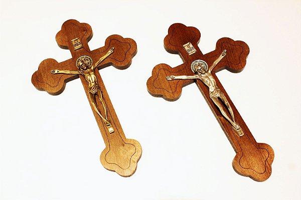 Cruz de Parede com medalha de São Bento - OV e PV -  (19cm)