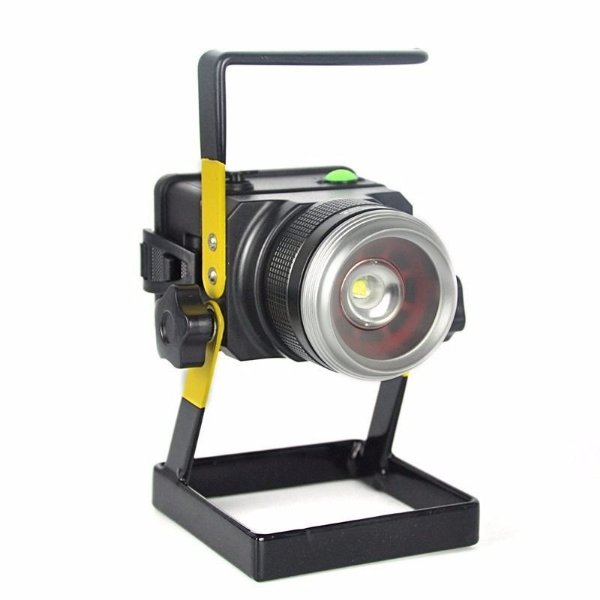 Lanterna Holofote Refletor Led Portátil  Recarregável + Zoom
