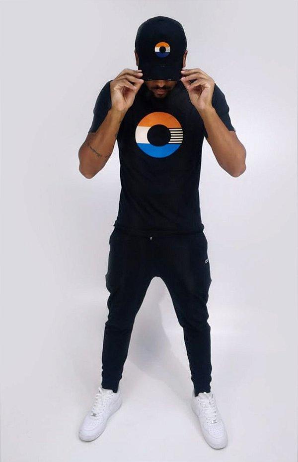 """Camiseta Longline Preta """"O"""" - CO Oficial"""