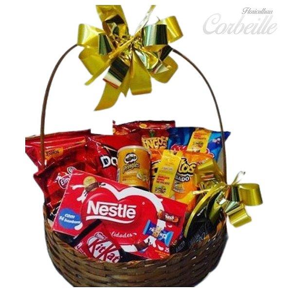Cesta de Chocolates e Snacks