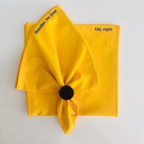Dupla de guardanapos de tecido