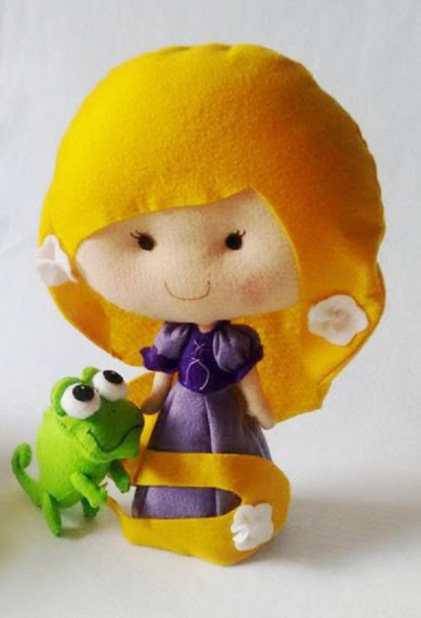 Boneca em Feltro Rapunzel - 40 cm