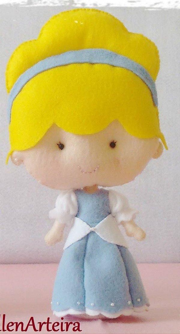 Boneca em Feltro Cinderela - 40 cm