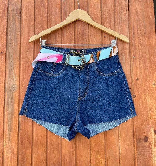 Short Jeans Escuro Cinto