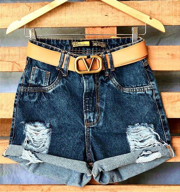 Short Jeans Escuro Barra Dobrada e Rasgos