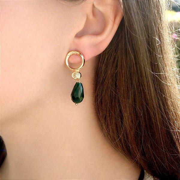 Brinco pedra verde escura de cristal folheado a ouro 18K hipoalergênico