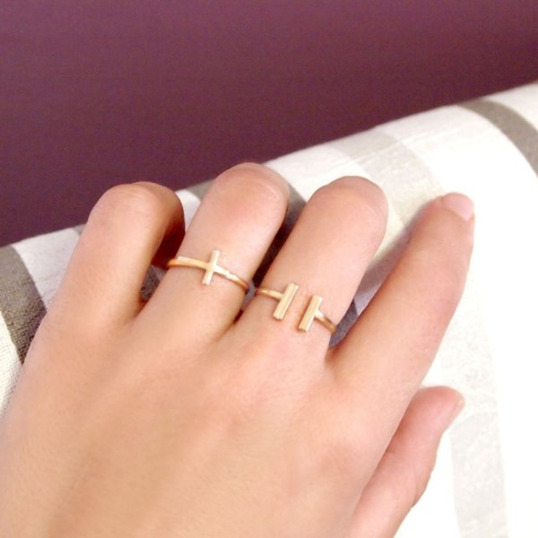 Anel geométrico minimalista folheado a ouro 18K hipoalergênico