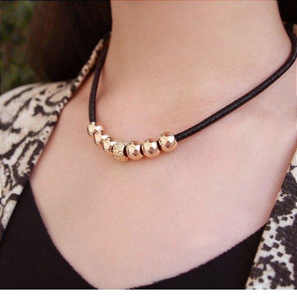 Colar gargantilha preta cordão metalizado folheado a ouro 18K hipoalergênico