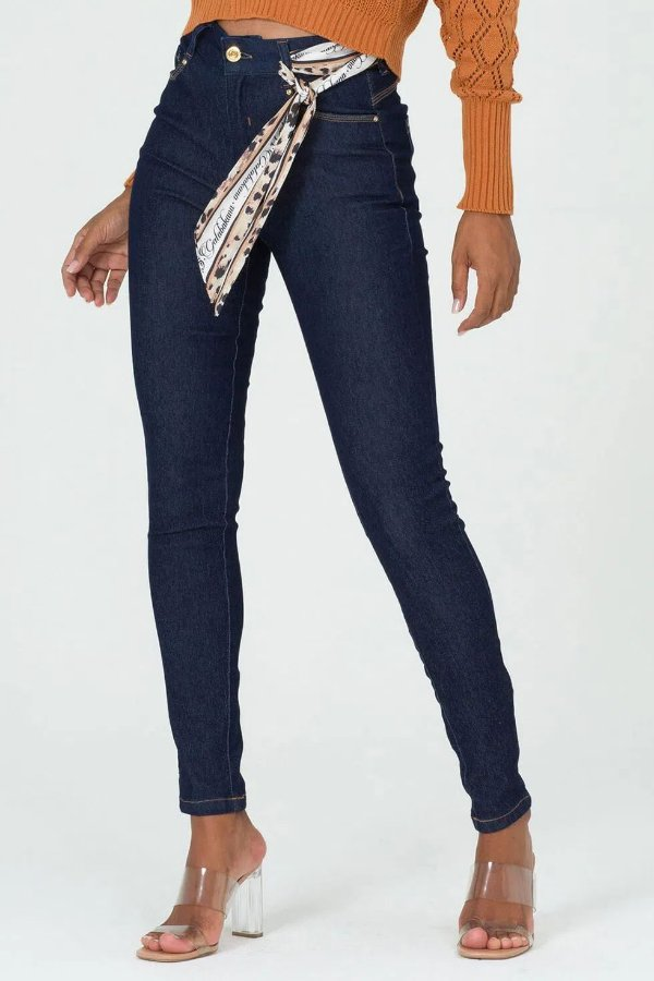 Calça Jeans Escura Skinny Acompanha Lenço De Estampa Exclusiva Gatabakana - 30583