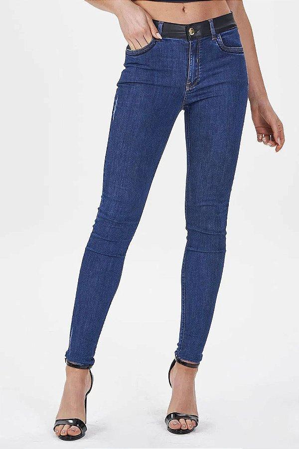 Calça Jeans Skinny Cós E Bolso Pequeno Frontal Em Couro Gatabakana - 30095
