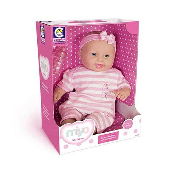 Boneca Miyo Menina
