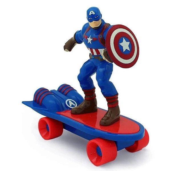 Boneco Vingadores no Skate