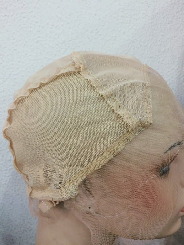 TOUCA FRONT LACE BEGE
