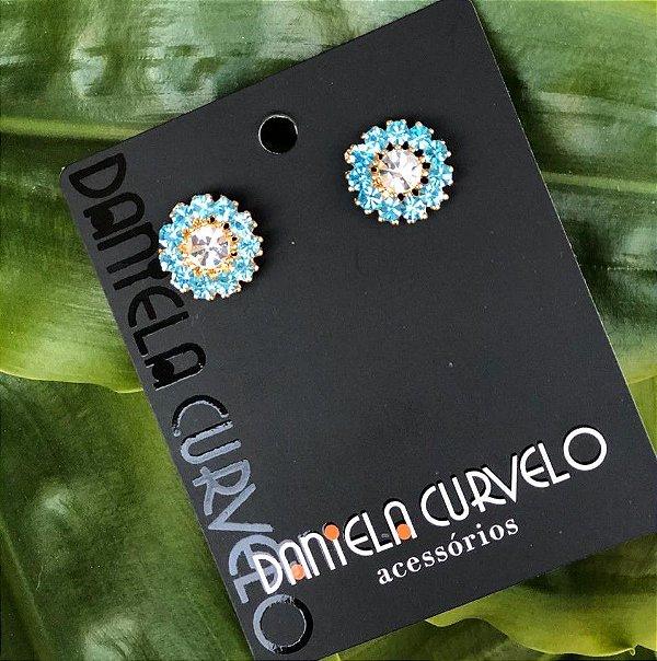 Brinco Pequeno de Flor Azul Claro e Branco - BF345AZ