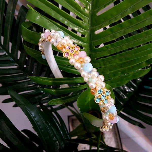 Tiara Bordada Fina Fundo Branco Candy Color - T118