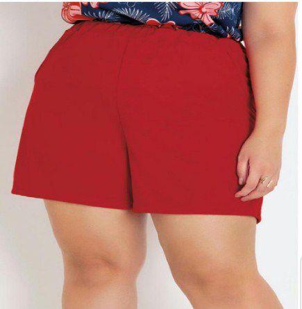 Short Vermelho Plus Size com Bolsos Decorativos