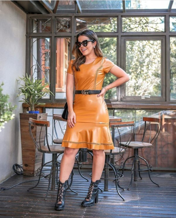 vestido couro eco