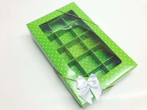 Caixa com 15 Divisões para Doces e Chocolates