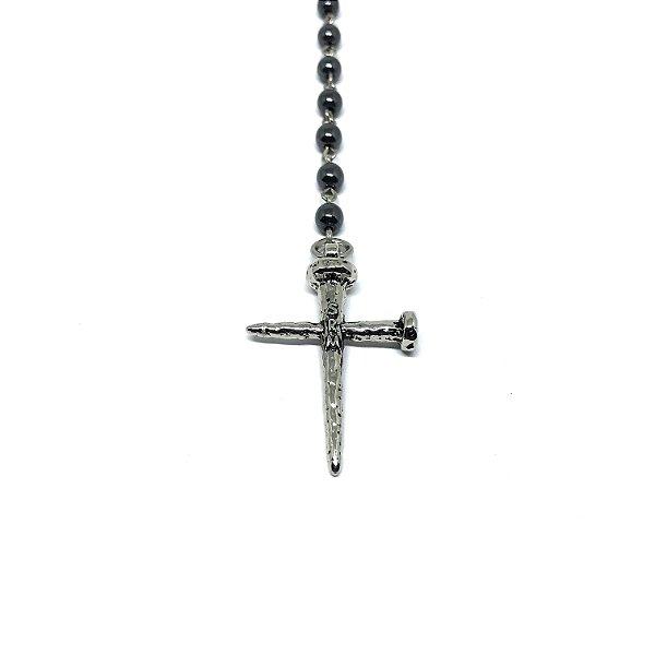 Colar Pedra Hematita Long Crucifixo Pregos Realismo