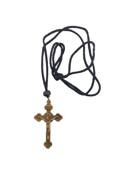 Cordão com pingente crucifixo