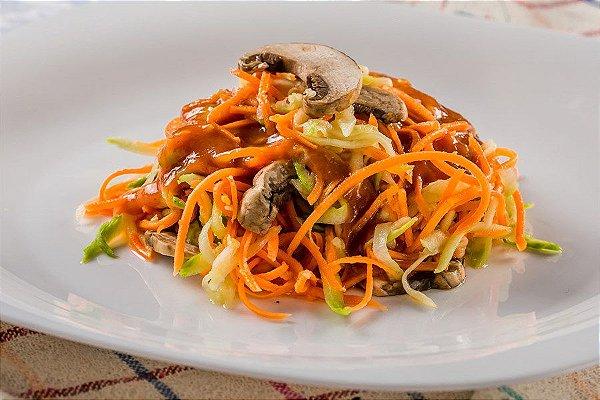 Spaghetti de legumes com cogumelos