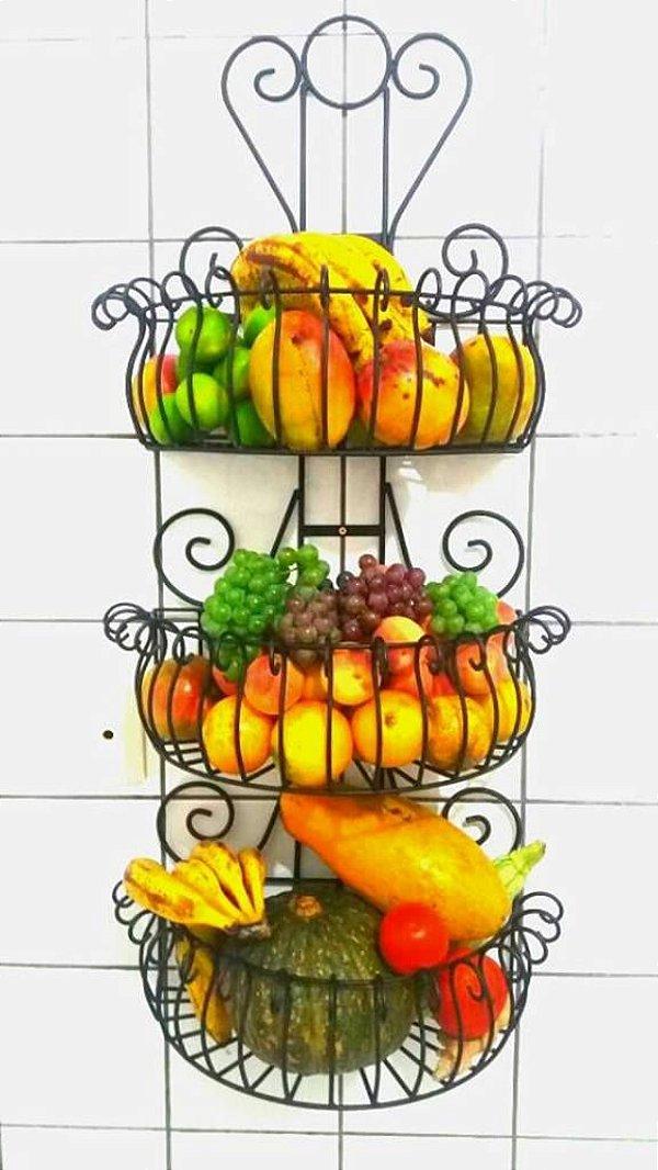 Fruteira de Parede com 3 cestos 1 mt de altura.