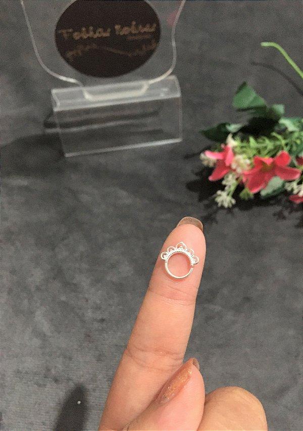 Piercing de furo com detalhes - Prata 925