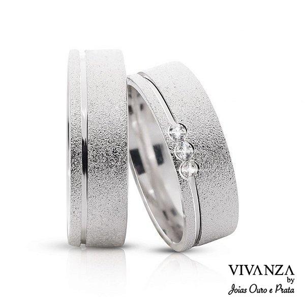 Aliança de Compromisso 3 Pedras Diamantada Anatômica (Unidade)