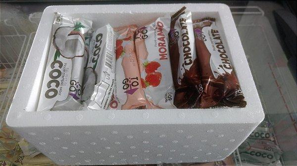Kit 30 Picolés ao Leite - 10 de Chocolate + 10 de Morango + 10 de Coco